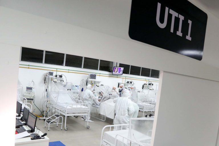 Saúde - doenças - coronavírus Covid-19 hospitais UTIs tratamento pandemia epidemia infecção respiratória contaminação insumos EPIs equipamentos proteção individual internação (hospital de campanha de Manaus-AM)