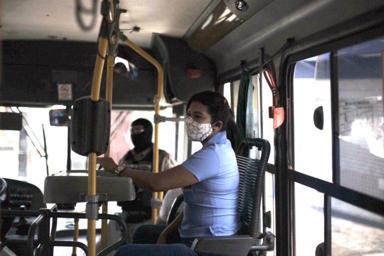 Saúde - doenças - coronavírus Covid-19 pandemia transportes coletivos ônibus máscaras prevenção contágio contaminação cobradores rodoviários (São Luís-MA)