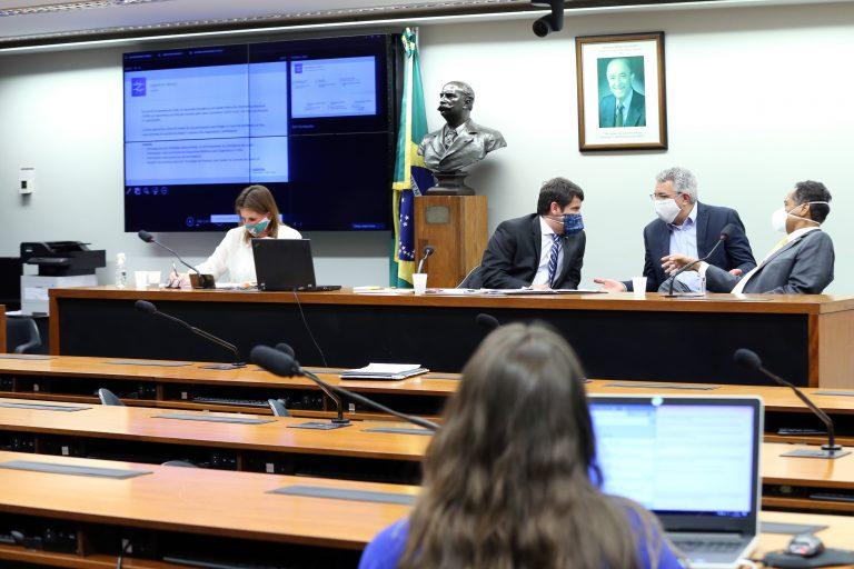 Anvisa - Cenário Regulatório de Kit Diagnóstico e Ventiladores. Dep. Carmen Zanotto (CIDADANIA - SC), dep. Dr. Luiz Antonio Teixeira Jr. (PP - RJ), dep. Alexandre Padilha (PT - SP) e dep. Antonio Brito (PSD - BA)