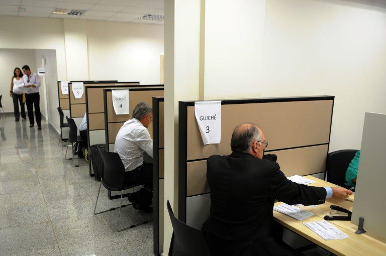 Administração Pública - geral - serviço público burocracia atendimento ao cidadão contribuinte