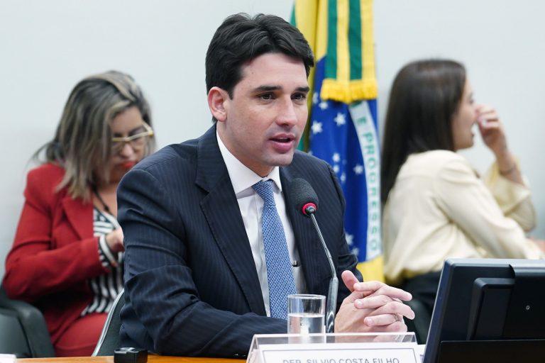 Reunião ordinária para votação do parecer do relator. Dep. Silvio Costa Filho (PRB - PE)
