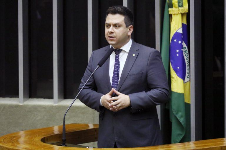 Ordem do dia para discussão e votação de diversos projetos. Dep. Tiago Dimas (SOLIDARIEDADE - TO)