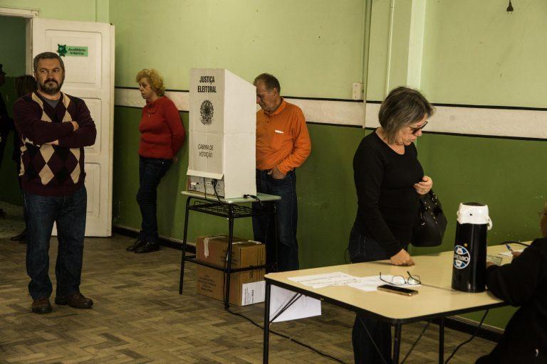 Eleições - voto secreto urnas votação eleitores eleitoral
