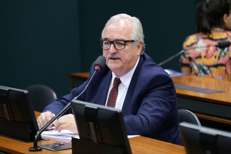 Ações preventivas da vigilância sanitária e possíveis consequências para o Brasil quanto ao enfrentamento da pandemia causada pelo coronavírus. Dep. Pedro Westphalen (PP - RS)