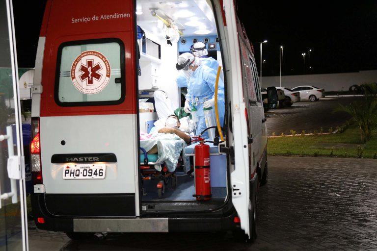 Saúde - doenças - coronavírus Covid-19 hospitais UTIs tratamento pandemia epidemia infecção respiratória contaminação insumos EPIs equipamentos proteção individual internação ambulância SAMU (hospital de campanha de Manaus-AM)
