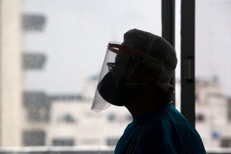 Saúde - doenças - coronavírus pandemia prevenção tratamento contágio contaminação profissionais enfermagem enfermeiros médicos EPIs equipamentos proteção individual (Hospital Espanhol, referência no tratamento da Covid-19 em Salvador)