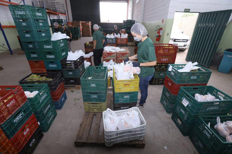 Economia - consumidor - compras online delivery supermercados frutas verduras alimentos alimentação quarentena isolamento abastecimento prevenção contágio contaminação