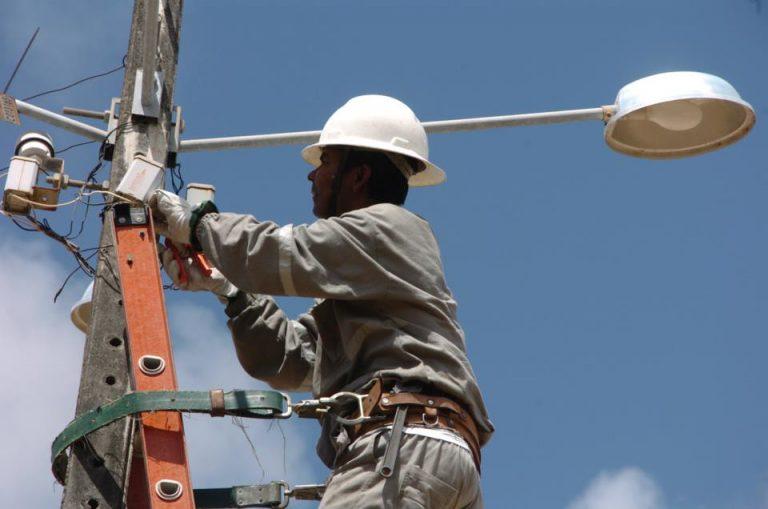 Energia - elétrica - manutenção postes luz iluminação (Maceió-AL)