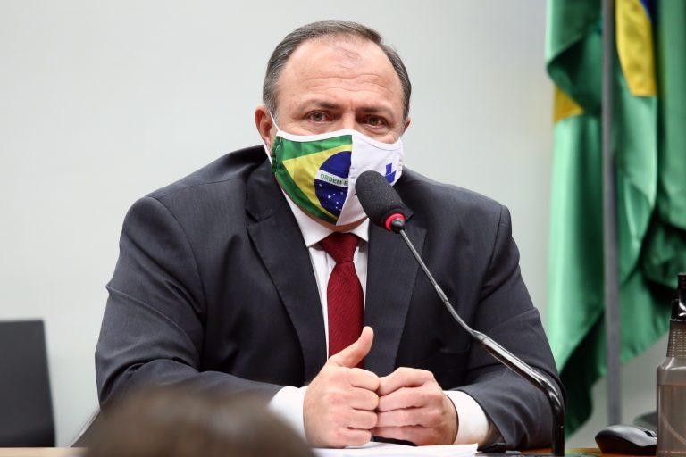 Autoridades - ministro interino da Saúde Eduardo Pazuello