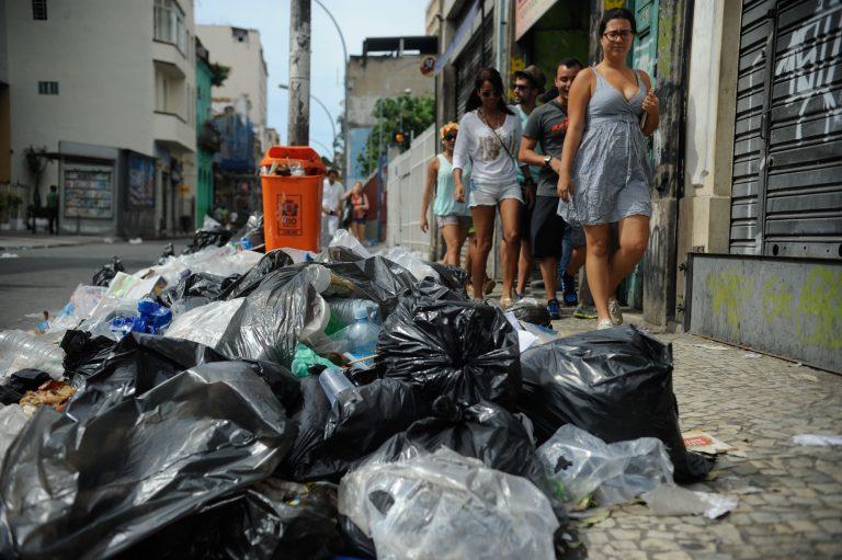 lixo - dejeto - entulho - limpeza - slu - resíduo