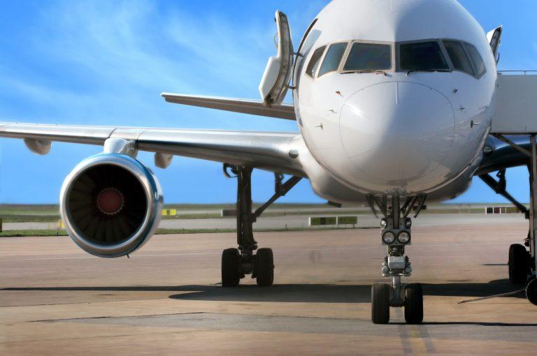 avião - aviação civil - aeroporto