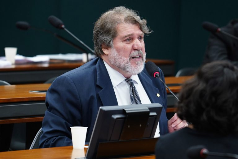 Reunião Ordinária para discussão e votação do parecer do relator. Dep. Renildo Calheiros (PCdoB-PE)