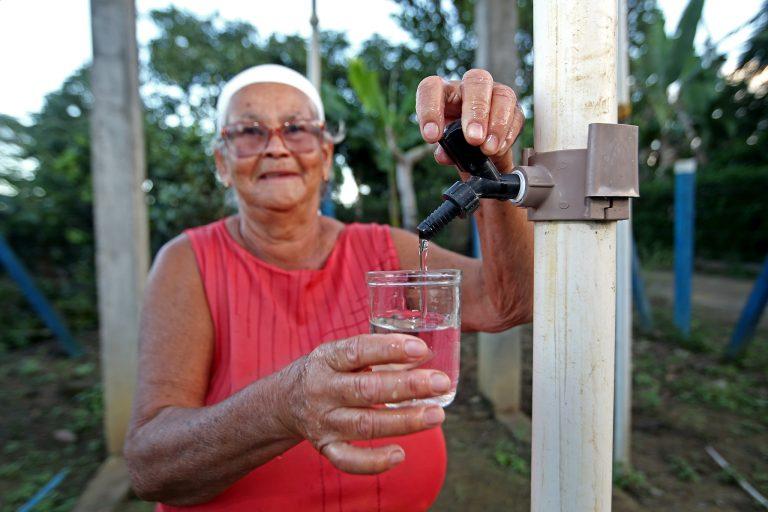 Cidades - infraestrutura - saneamento básico acesso água tratada população recursos hídricos