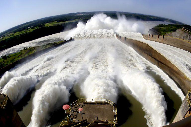 Energia - renováveis - usina hidrelétrica de Itaipu Binacional
