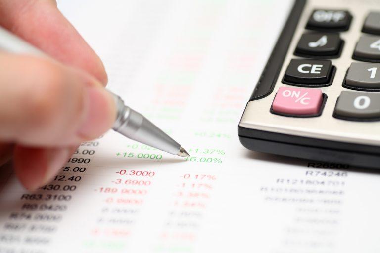 Economia - reforma tributária - impostos tributos contas financeiras financiamentos