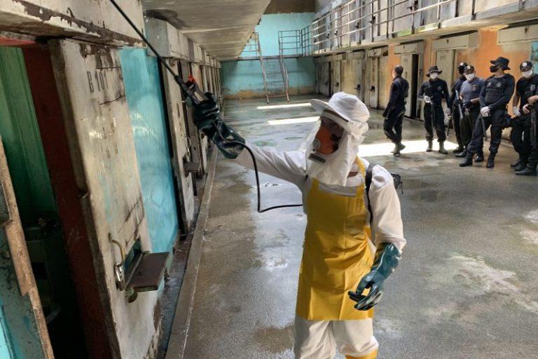 Saúde - doenças - coronavírus desinfecção higienização cadeias penitenciárias presídios prevenção pandemia epidemia contaminação contágio (sistema carcerário do Pará)