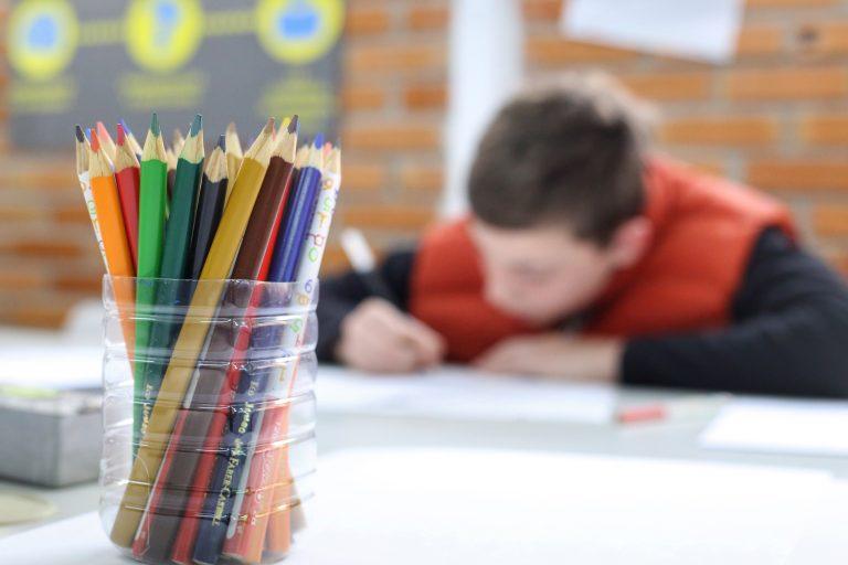 Educação - geral - alunos estudantes ensino fundamental escolas estudo