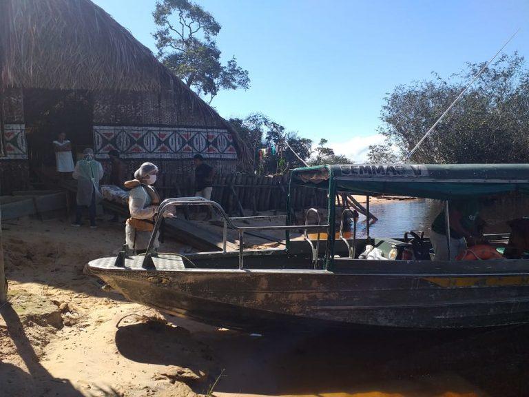 Saúde - doenças - coronavírus Covid-19 pandemia índios assistência (indígenas da região do Tupé, Amazonas)