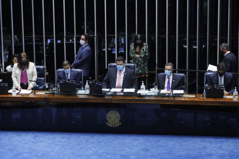 Promulgação da Emenda Constitucional nº 107 de 2020, que adia as eleições em razão do coronavírus