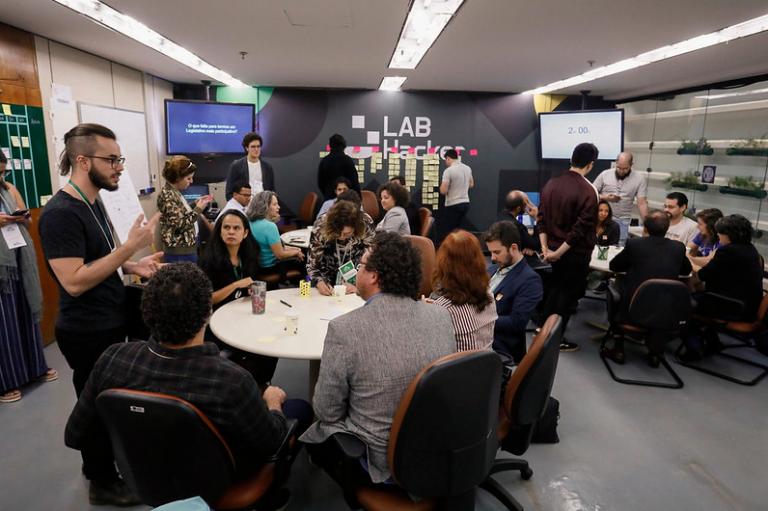 Laboratório Hacker - Evento realizado em 2019 chamado Nós do Lab - transparência - participação social