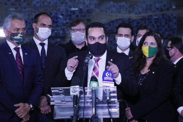 Movimento contra o projeto das fakes news. Dep. Paulo Eduardo Martins (PSC - PR)