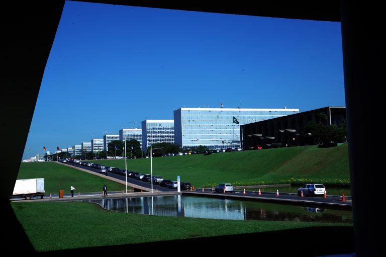 Ministérios visto das janelas do congresso - Esplanada dos Ministérios