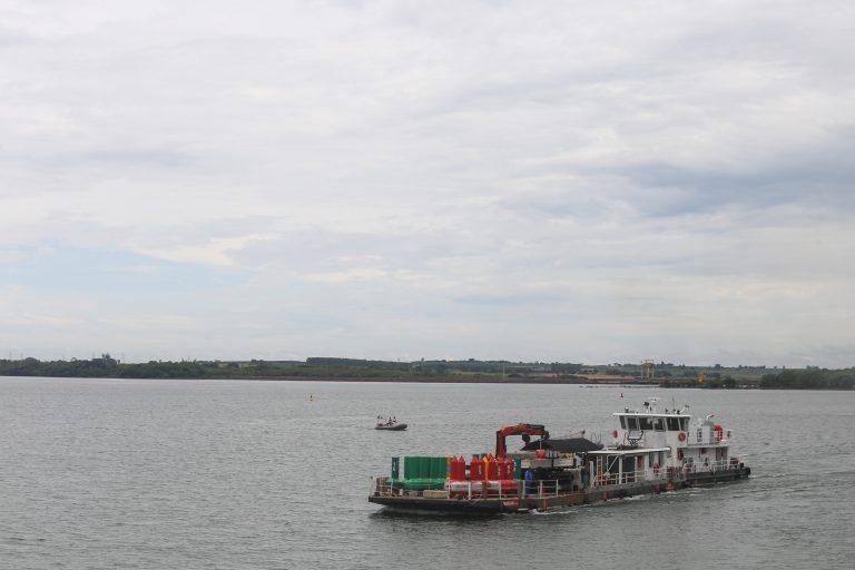 Transporte - barcos e portos - hidrovias navegação cargas cabotagem rios fluvial container