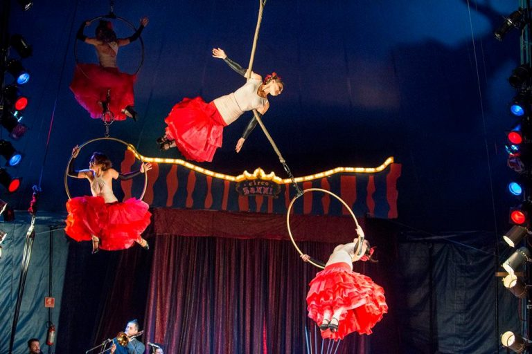 Cultura - geral - circo acrobatas arte