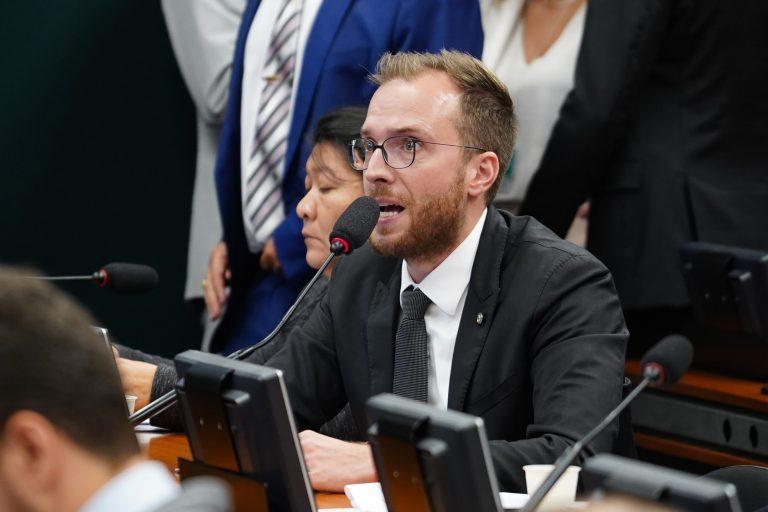 Reunião ordinária para votação do parecer do relator. Dep. Filipe Barros (PSL-PR)
