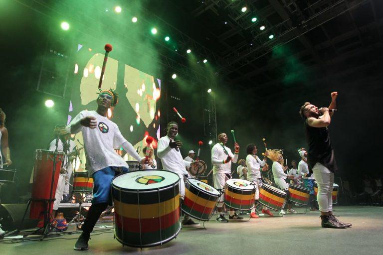 Cultura - música - banda Olodum negros afro axé (show 40 anos do Olodum na Concha Acústica do Teatro Castro Alves, Salvador-BA)
