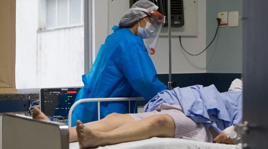 Saúde - doenças - coronavírus pandemia prevenção tratamento contágio contaminação pacientes UTIs internação tratamento enfermeiros enfermagem profissionais EPIs (Hospital Espanhol, referência no tratamento da Covid-19 em Salvador)