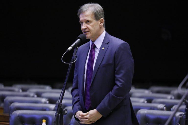 Deputado Aluisio Mendes discursa no Plenário da Câmara