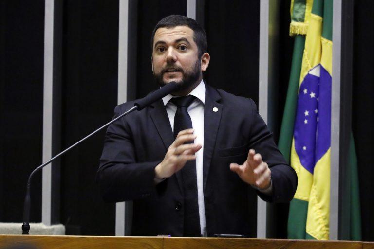 Breves comunicações. Dep. Carlos Jordy(PSL - RJ)