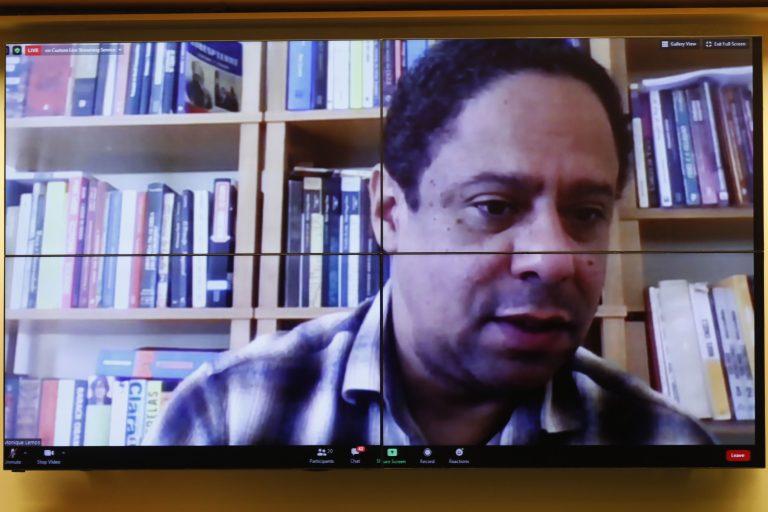 Lei de combate às Fake News. Dep. Orlando Silva (PCdoB - SP)