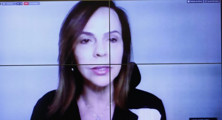 Discussão de propostas para incluir mulheres na resposta à crise da COVID-19. Dep. Professora Dorinha Seabra Rezende (DEM - TO)