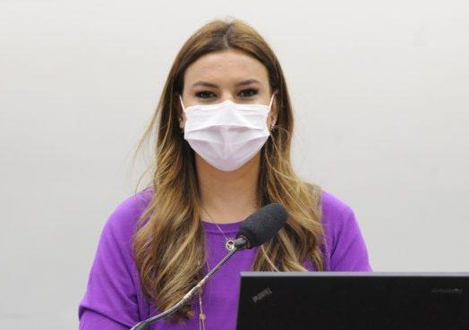 Deputada Mariana Carvalho (PSDB - RO) em reunião da Comissão Externa de Ações contra o Coronavírus