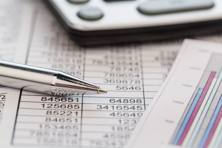 orçamento - contas - calculadora - balanço