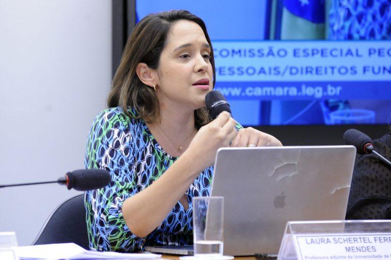 """Audiência Pública - Tema: """"Proteção de Dados como Direito Fundamental"""". Professora adjunta da Universidade de Brasília - UnB, Laura Schertel Ferreira Mendes"""