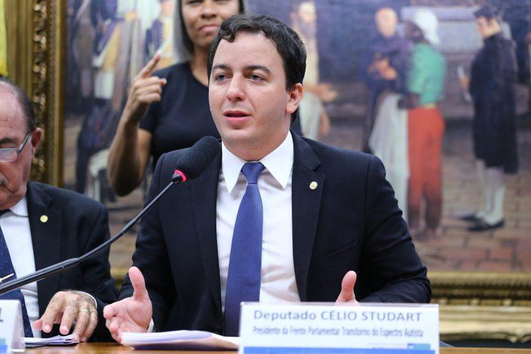 """Seminário - Tema: """"Políticas Públicas para Pessoas com Autismo"""". Dep. Célio Studart (PV-CE)"""