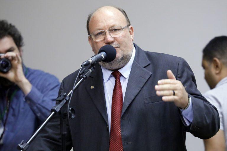 """Audiência Pública - Tema: """"Defesa do Direito à Assistência Social e do Financiamento Público."""" Dep. João Daniel (PT-SE)"""