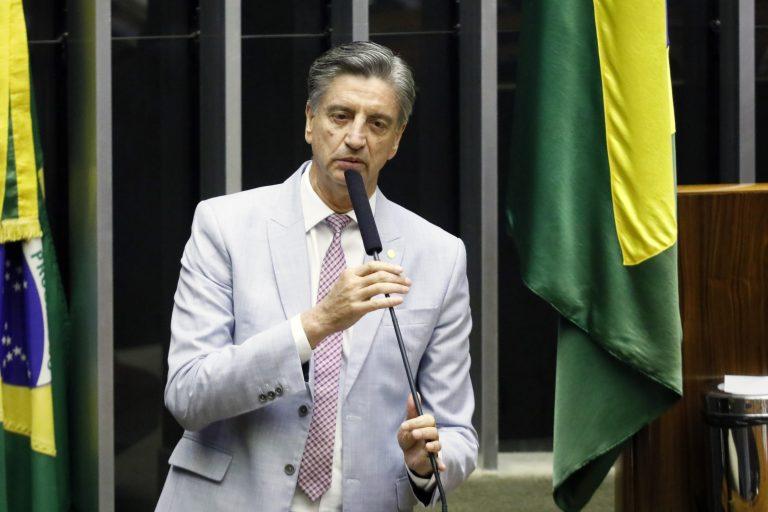 Deputado Dagoberto Nogueira discursa no Plenário da Câmara dos Deputados