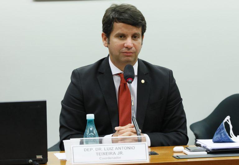 Reunião Técnica por videoconferência - Desenvolvimento de Vacina pela Universidade de Oxford. Dep. Dr. Luiz Antonio Teixeira Jr. (PP - RJ)
