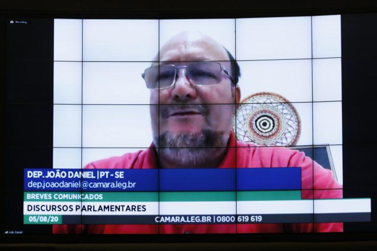 Breves Comunicações. Dep. João Daniel (PT - SE)