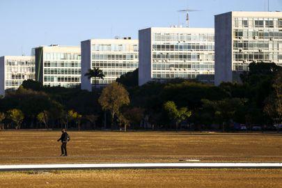 Brasília - esplanada - ministérios funcionalismo reformas administrativa servidores públicos despesas pessoal funcionários setor público administração pública