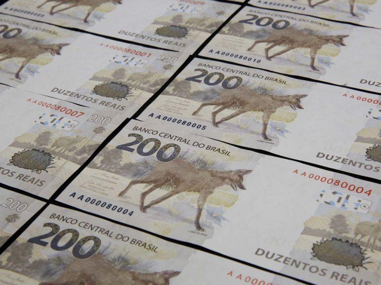 Economia - dinheiro - cédulas moedas reais