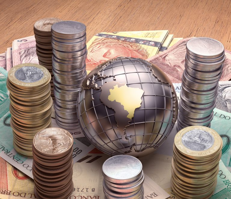 Economia - Orçamento - Reforma tributária - ilustração com moedas e Brasil