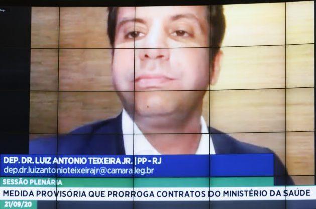 Deputado Dr. Luiz Antonio Teixeira Jr. (PP - RJ) em sessão do Plenário da Câmara