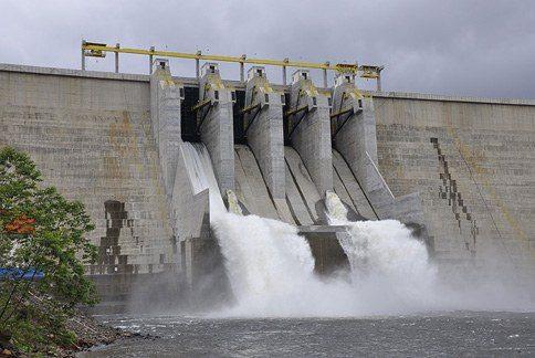 Deputados participam de conferência sobre pequenas centrais hidrelétricas