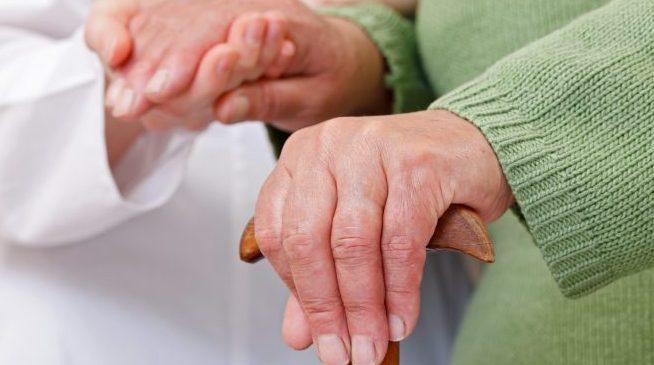 Direitos Humanos - idoso - terceira idade velhice cuidador idosos locomoção mobilidade