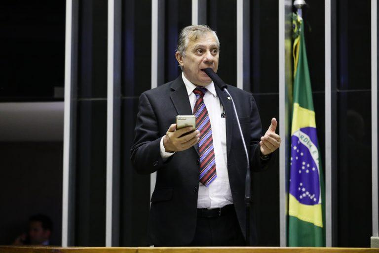 Deputado José Airton Félix Cirilo discursa no Plenário da Câmara